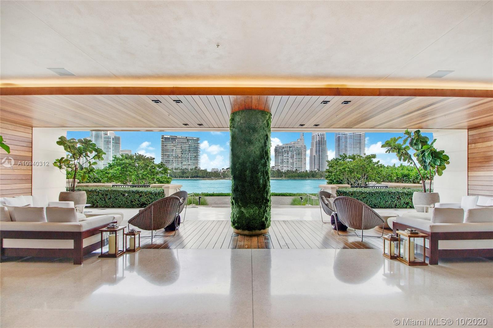 7085 Fisher Island Dr #7085 Property Photo