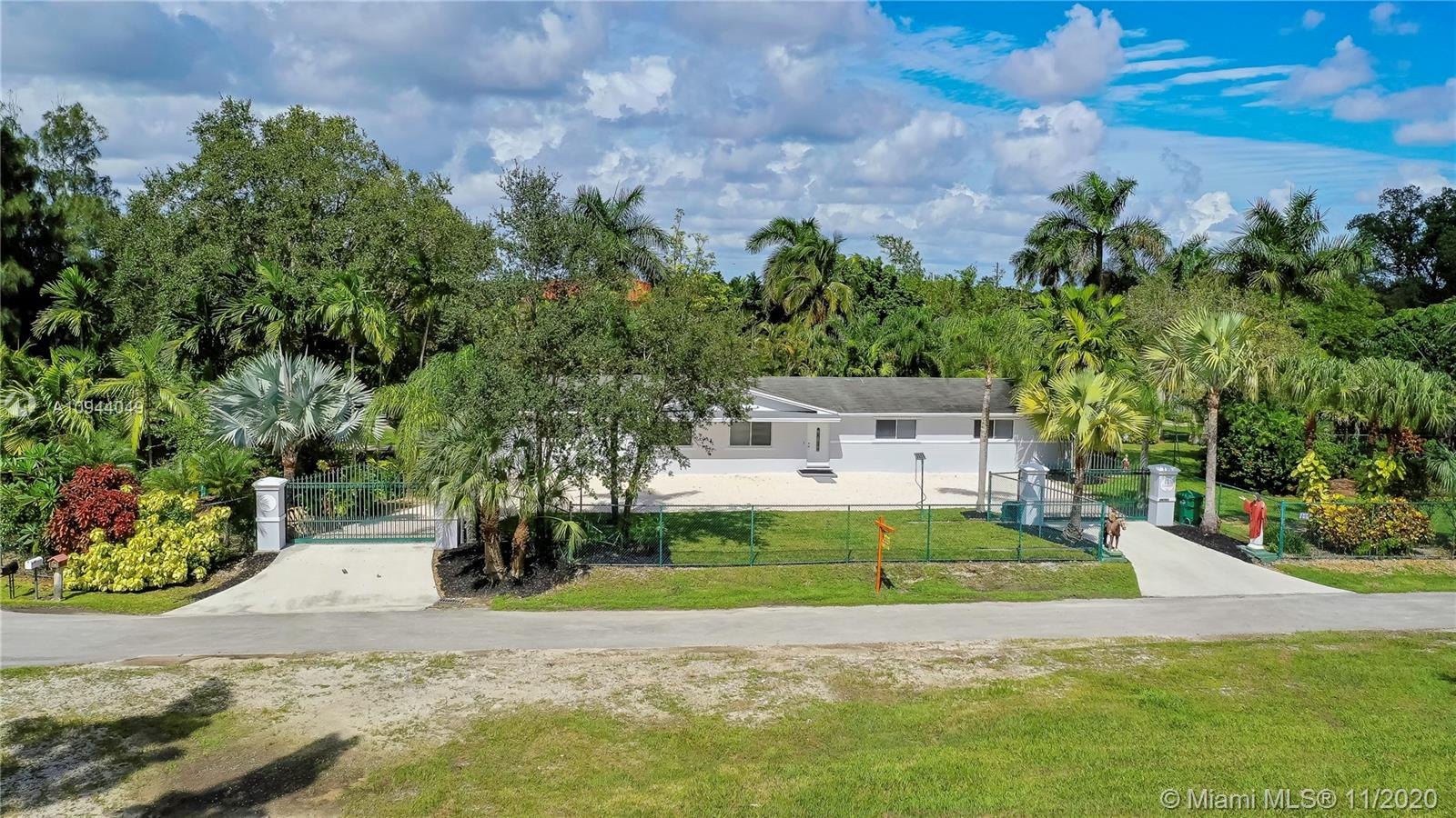 14751 SW 252 St Property Photo - Homestead, FL real estate listing