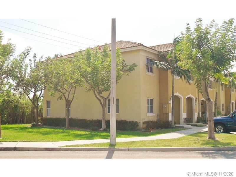 1592 Se 31st Ct #1592 Property Photo