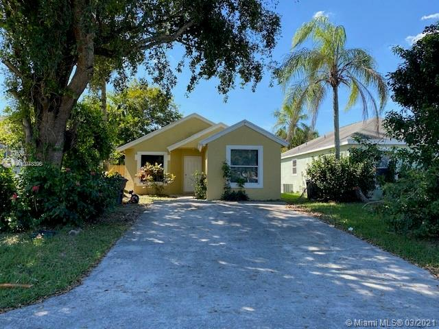 990 SW 8th Pl Property Photo - Florida City, FL real estate listing
