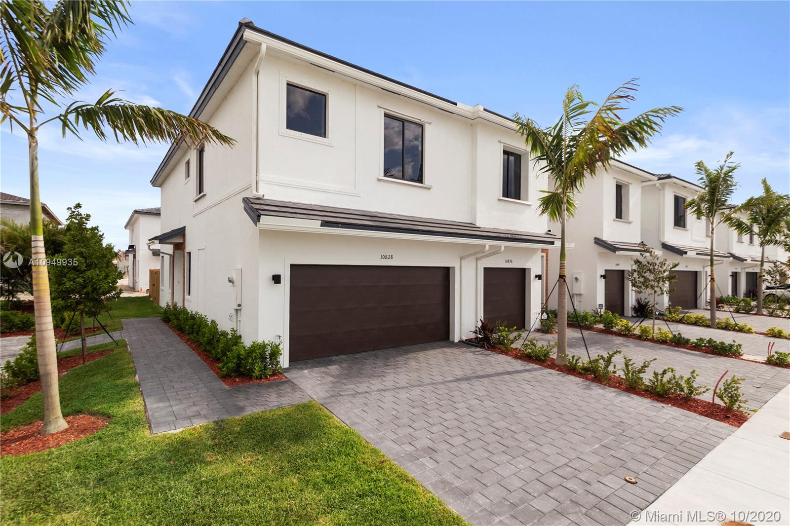10957 SW 232nd Terr Property Photo - Miami, FL real estate listing