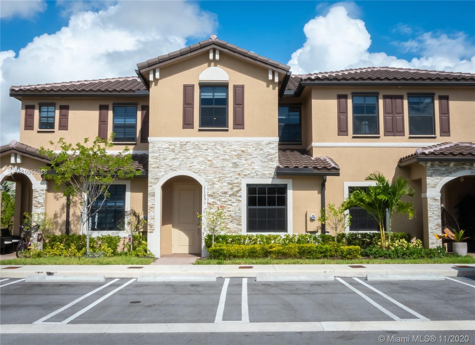 Coco Palm Villas Real Estate Listings Main Image