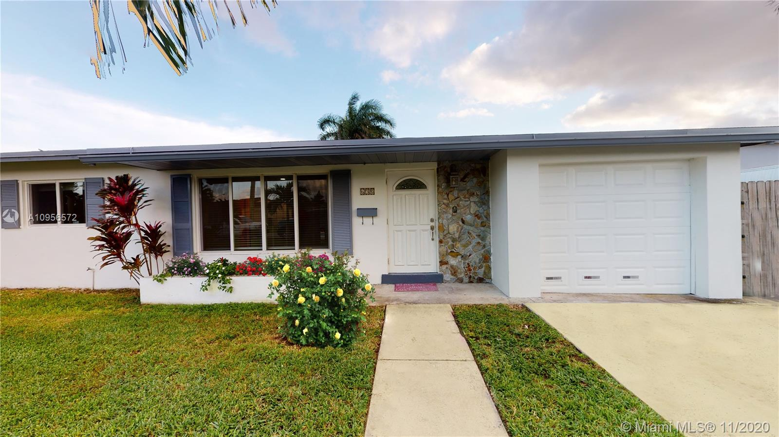 630 NW 16th St Property Photo - Homestead, FL real estate listing