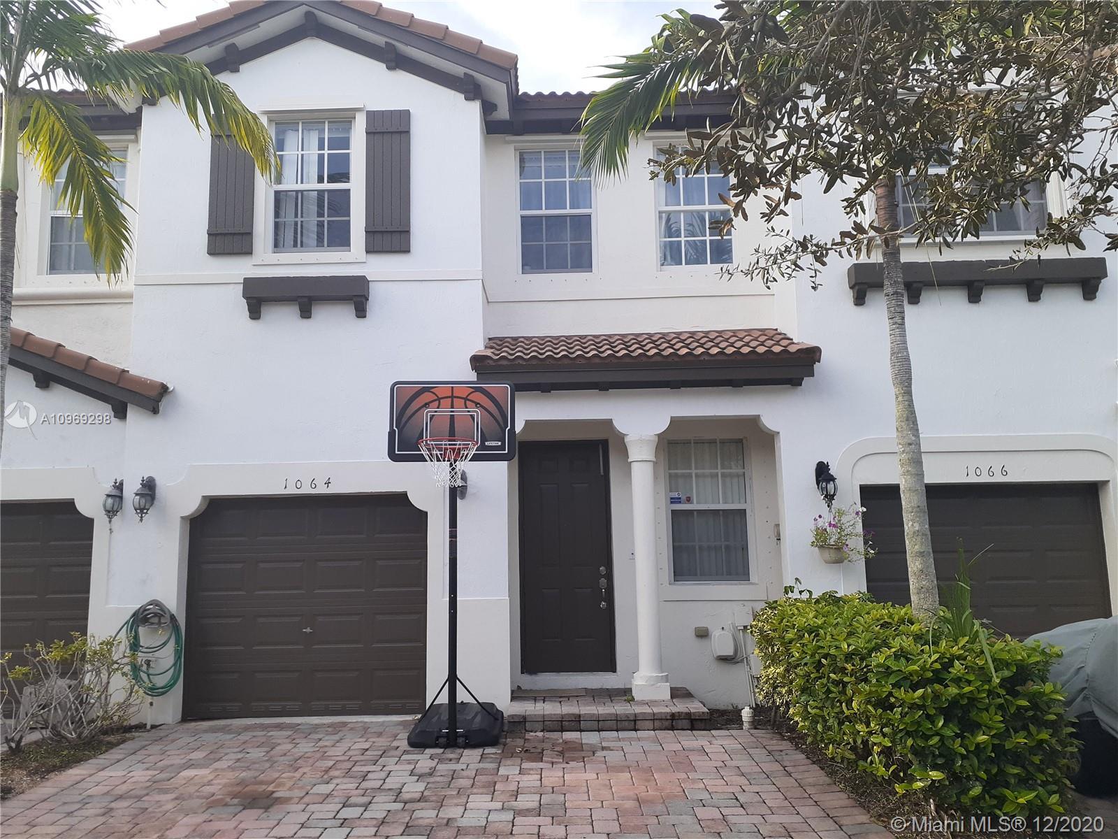 1064 Ne 30th Ave #1064 Property Photo