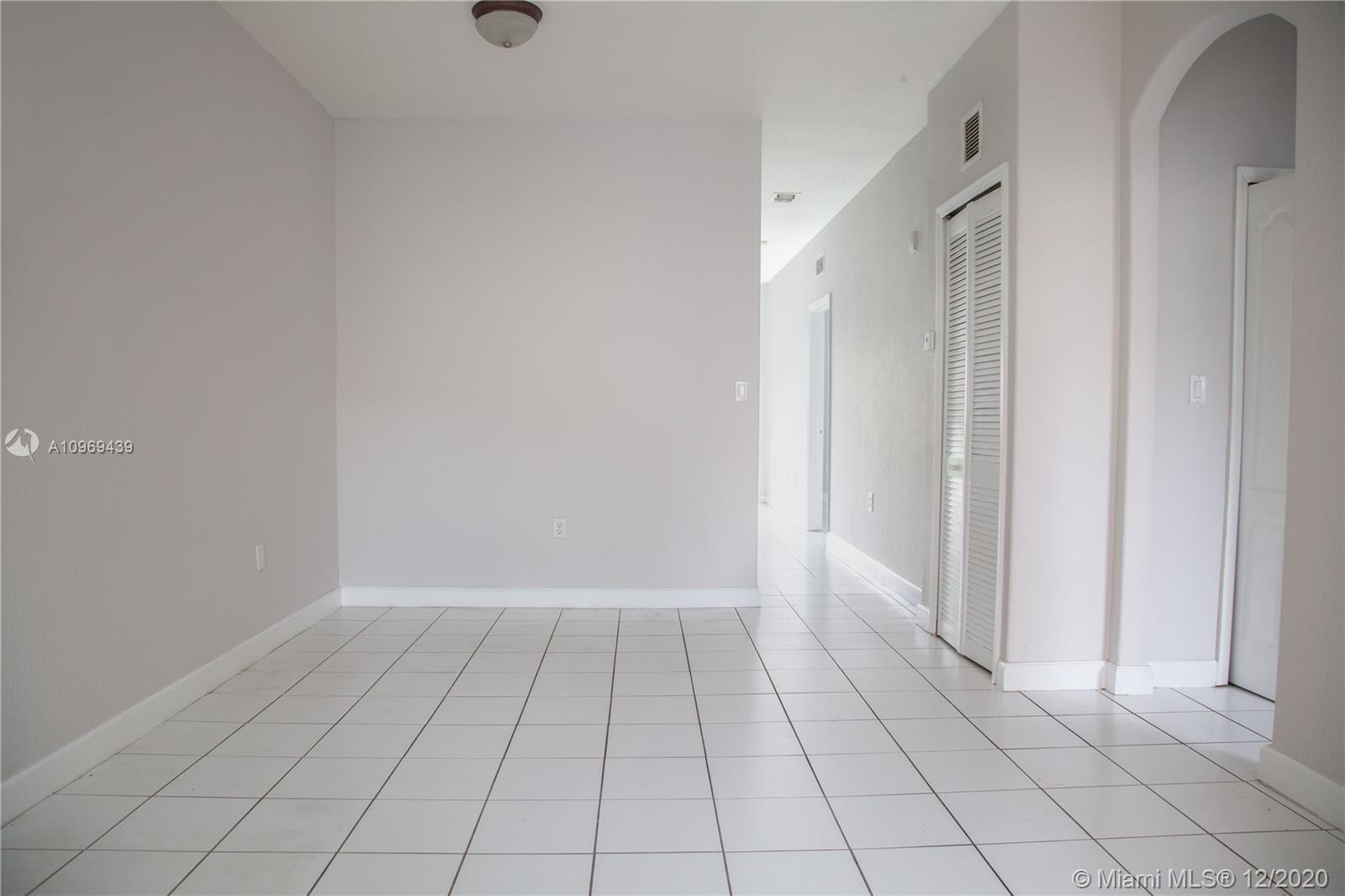 1663 Se 29th St #106 Property Photo