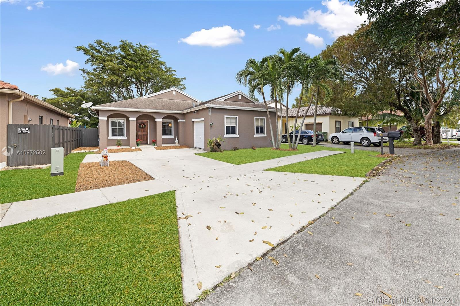 83 NW 4 PL Property Photo - Homestead, FL real estate listing