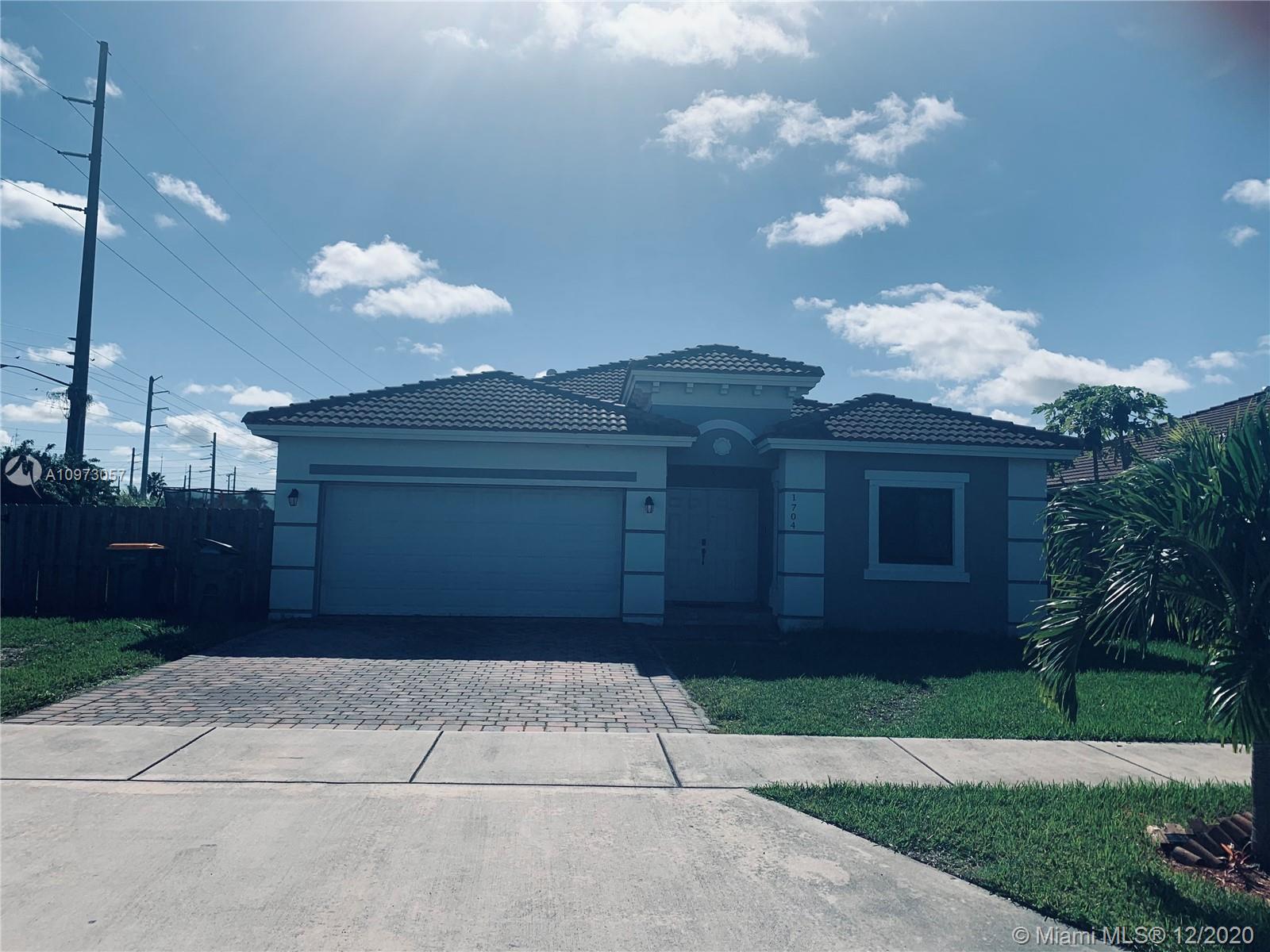 1704 Se 5th St Property Photo