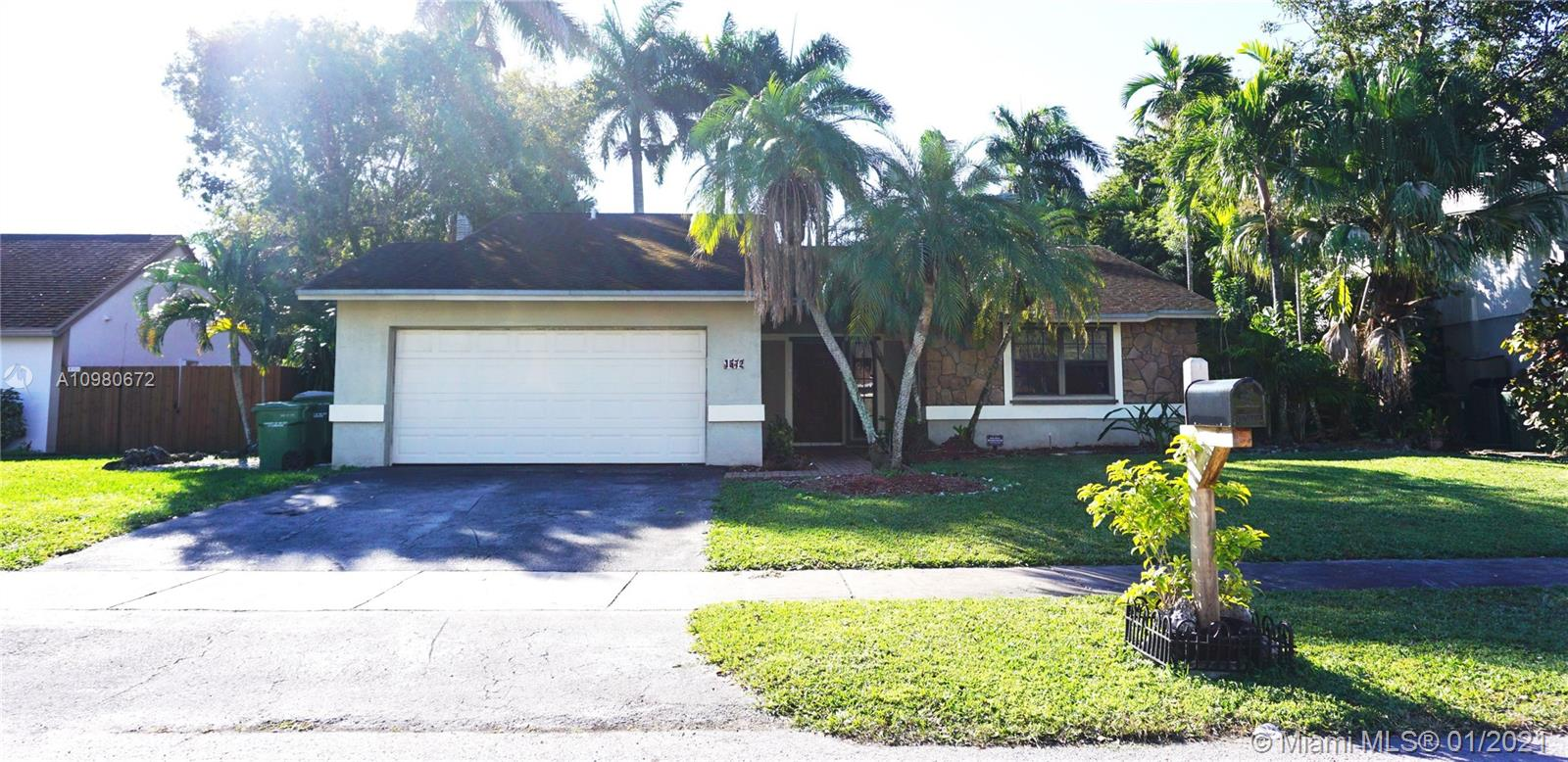 1572 S Goldeneye Ln Property Photo - Homestead, FL real estate listing