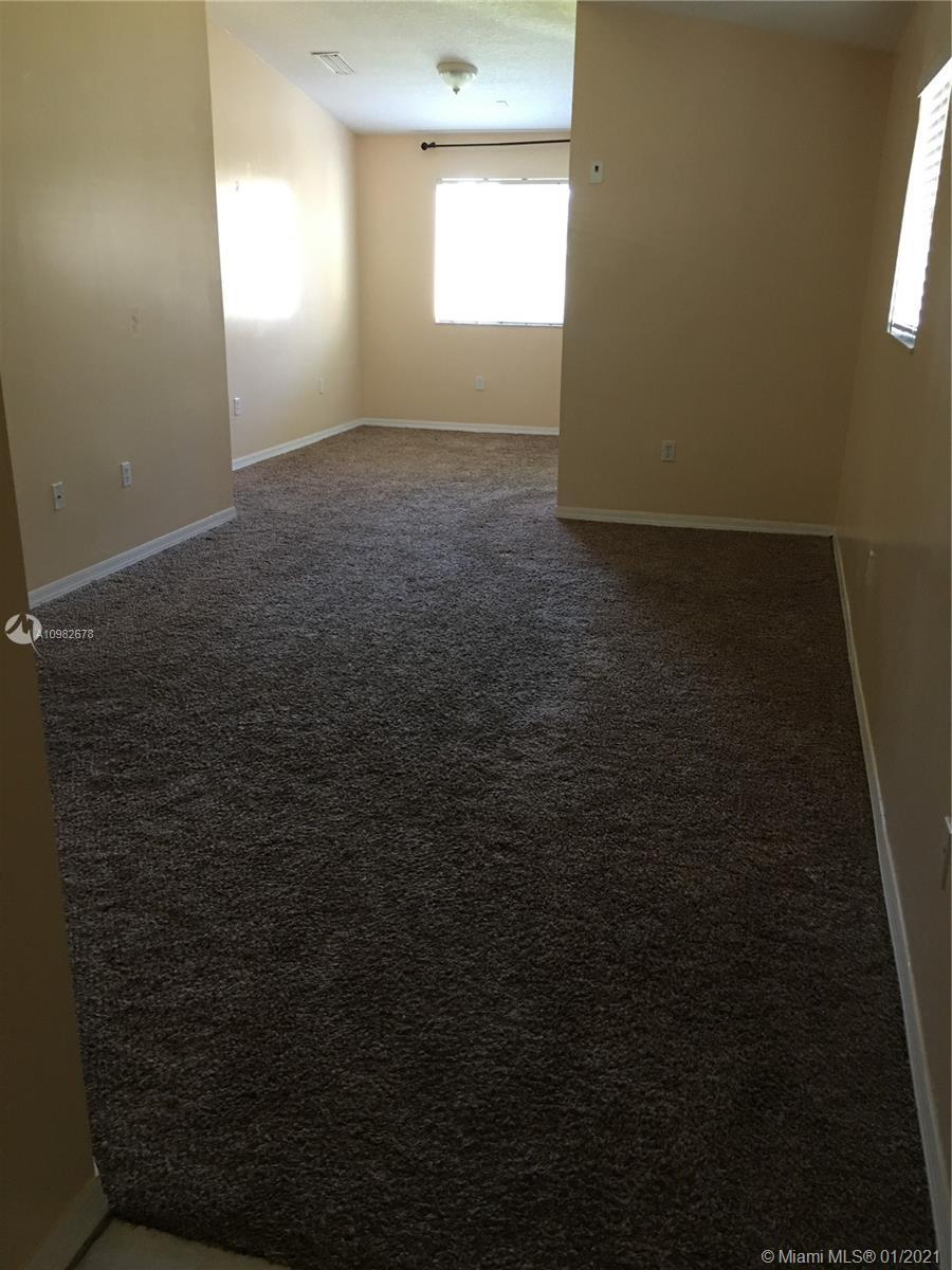 940 Ne 34th Ave #204 Property Photo