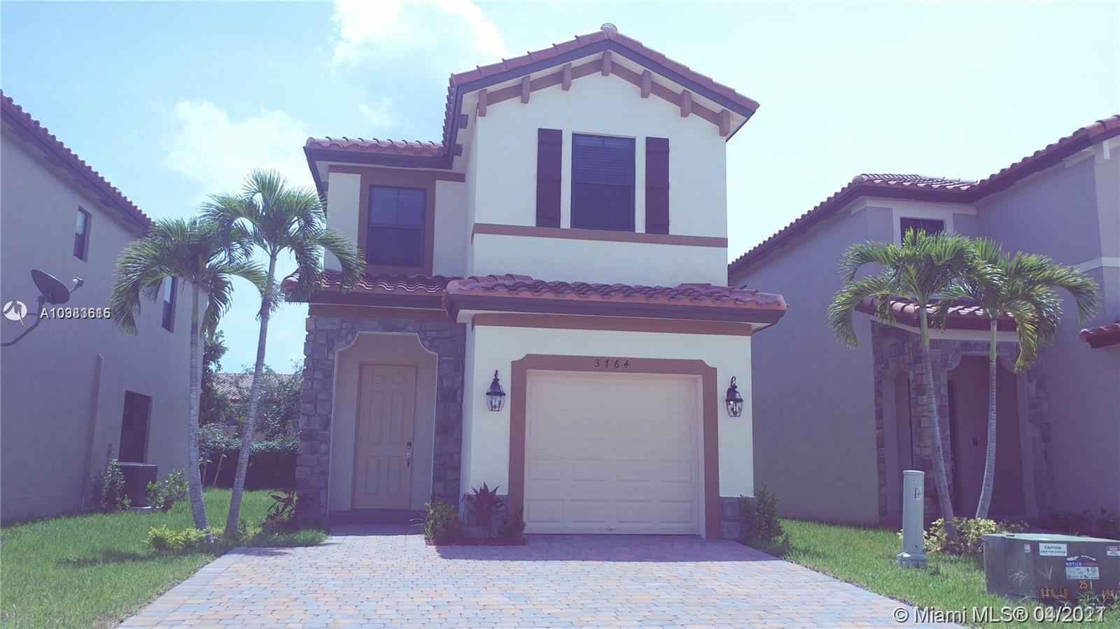 3764 Ne 1st St Property Photo