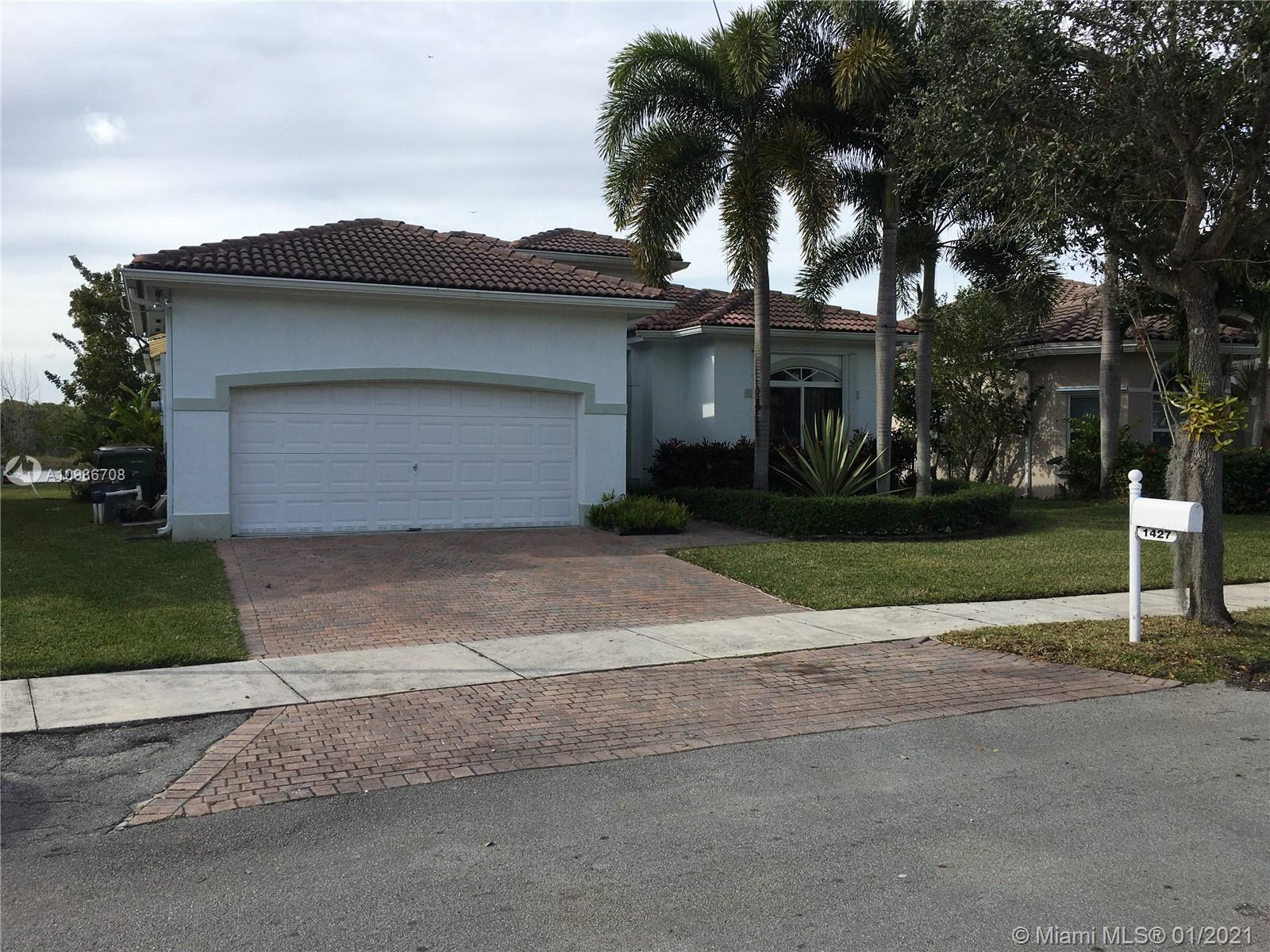 1427 SE 22nd Ln Property Photo - Homestead, FL real estate listing