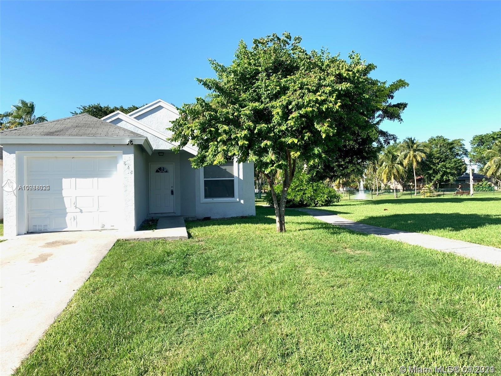 848 SW 10th St Property Photo - Florida City, FL real estate listing