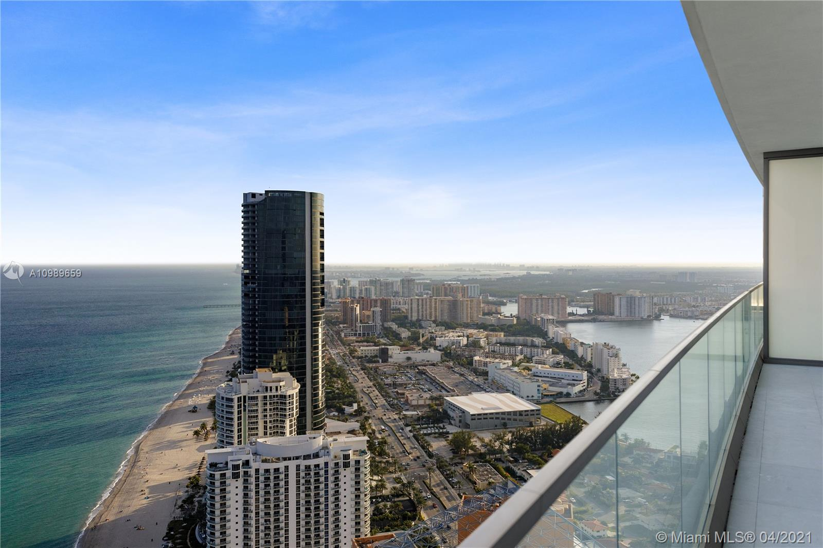 18975 Collins Ave #4602 Property Photo