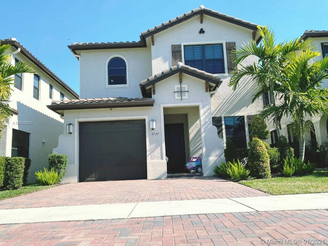 9737 W 34th Ln Property Photo