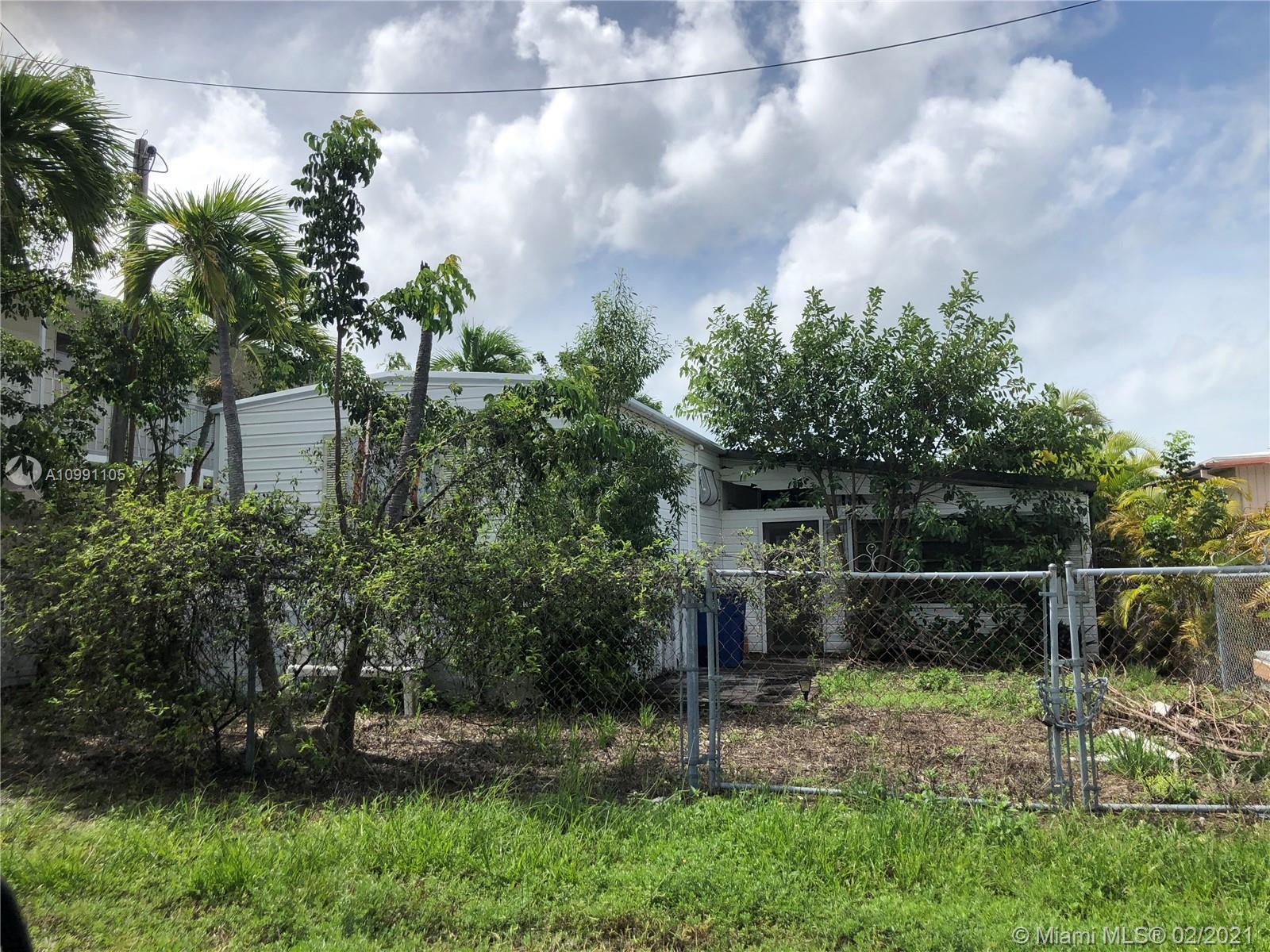 915 Tropical Ln Property Photo