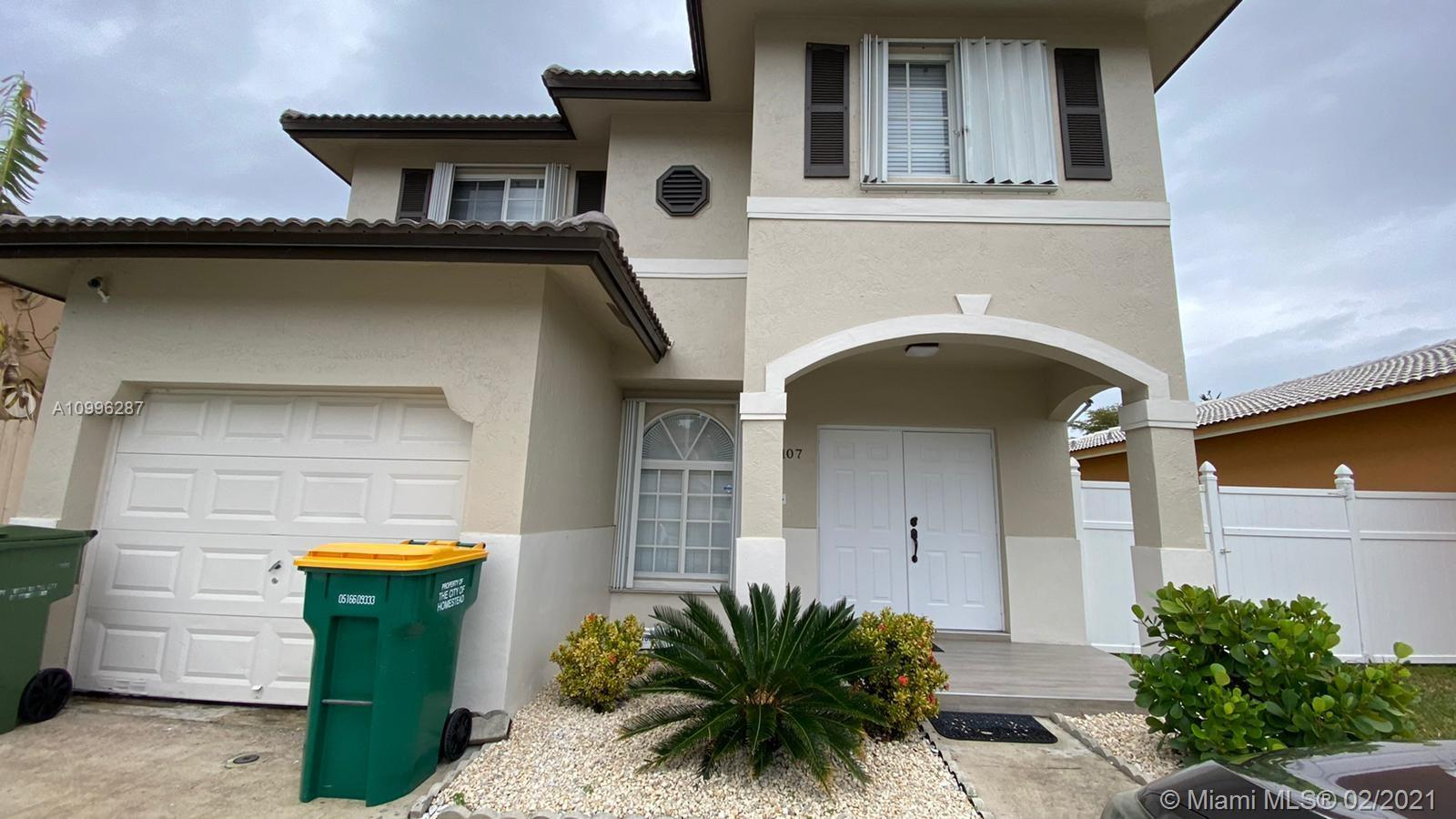 1107 SE 12th Ter Property Photo - Homestead, FL real estate listing