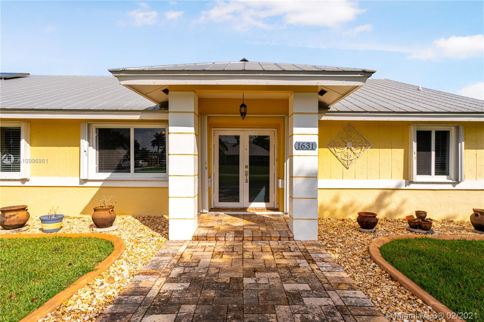 1631 NW 19th St Property Photo - Homestead, FL real estate listing