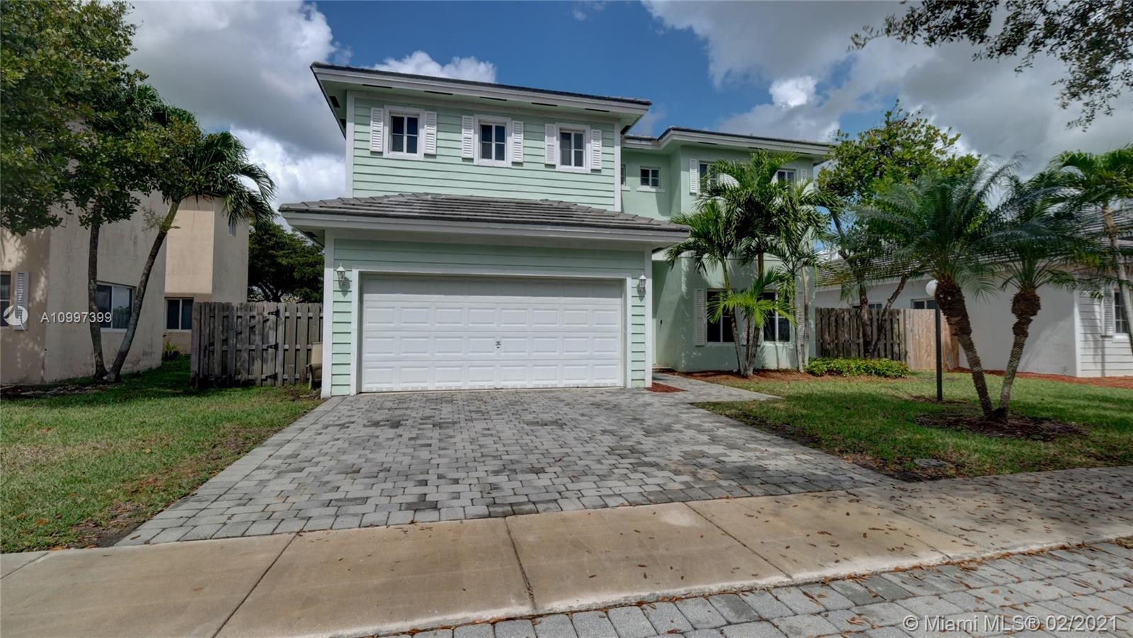 2915 NE 4th St Property Photo - Homestead, FL real estate listing