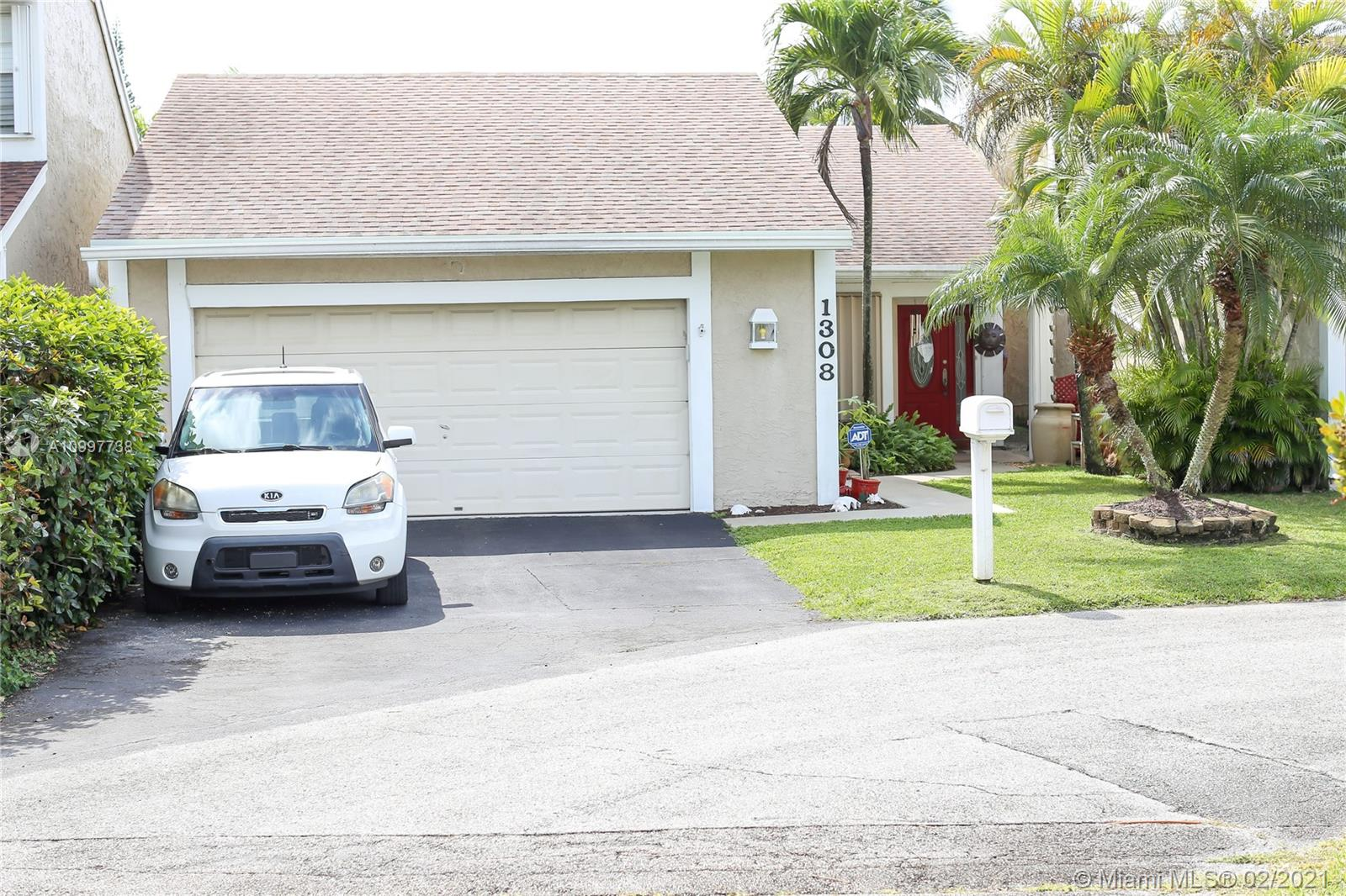 1308 Redstart Ct Property Photo - Homestead, FL real estate listing