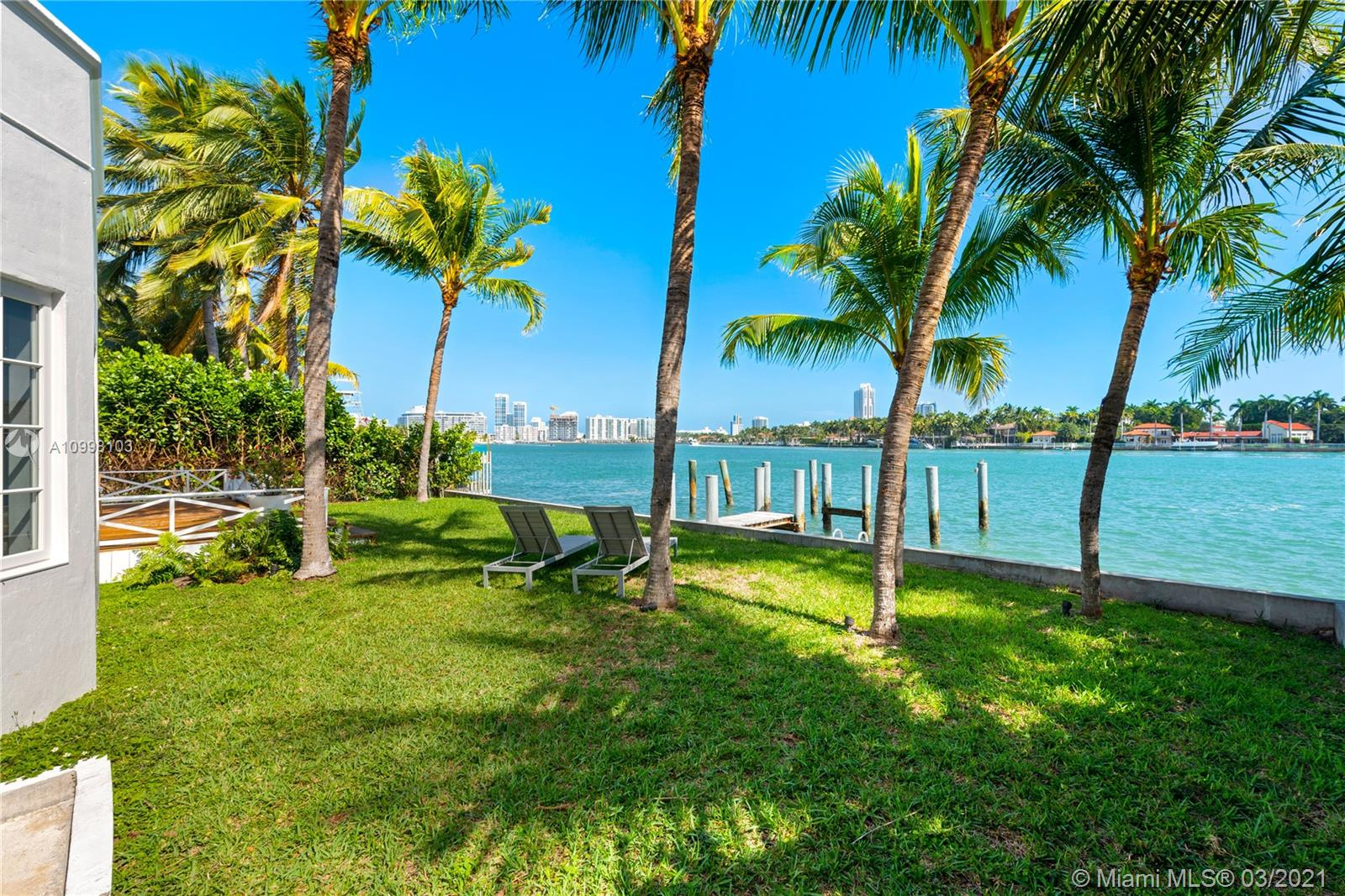 1500 Bay Dr Property Photo