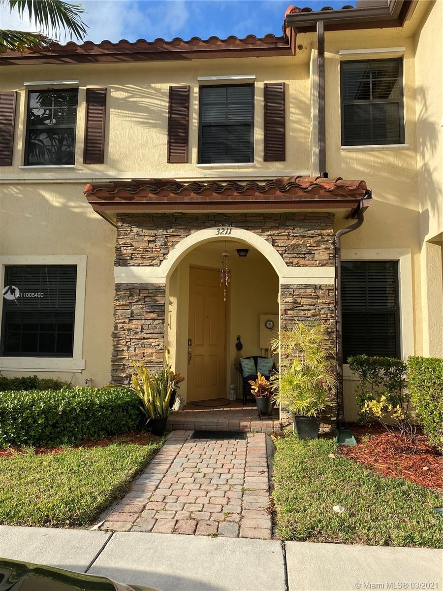 3211 SE 7th Ct #3211 Property Photo - Homestead, FL real estate listing