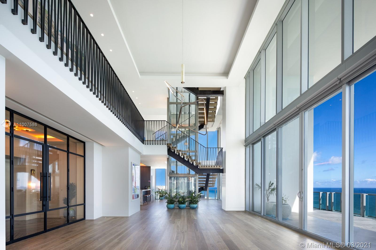 6901 Collins Ave #ph Property Photo 1