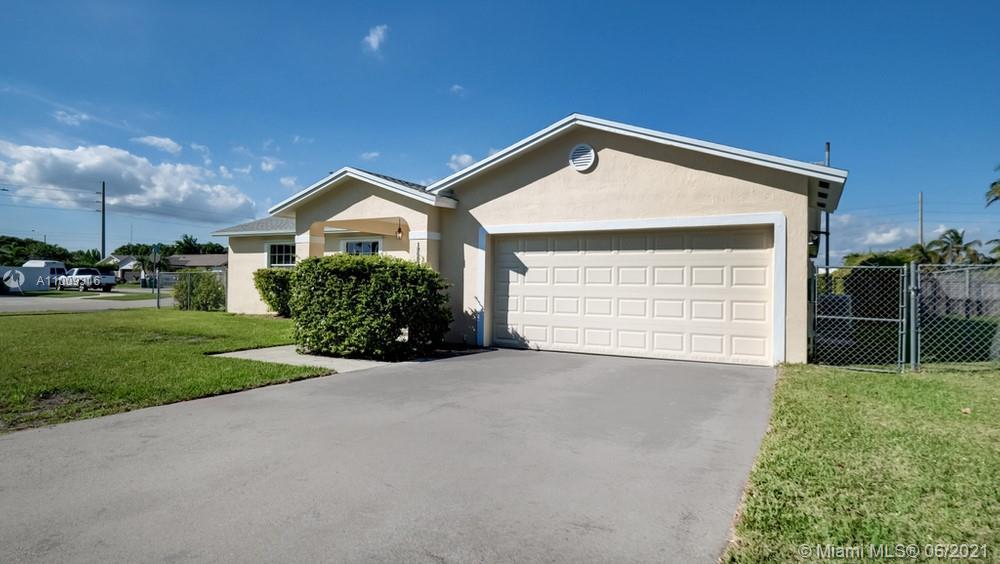 13597 Sw 282nd Street Property Photo 1