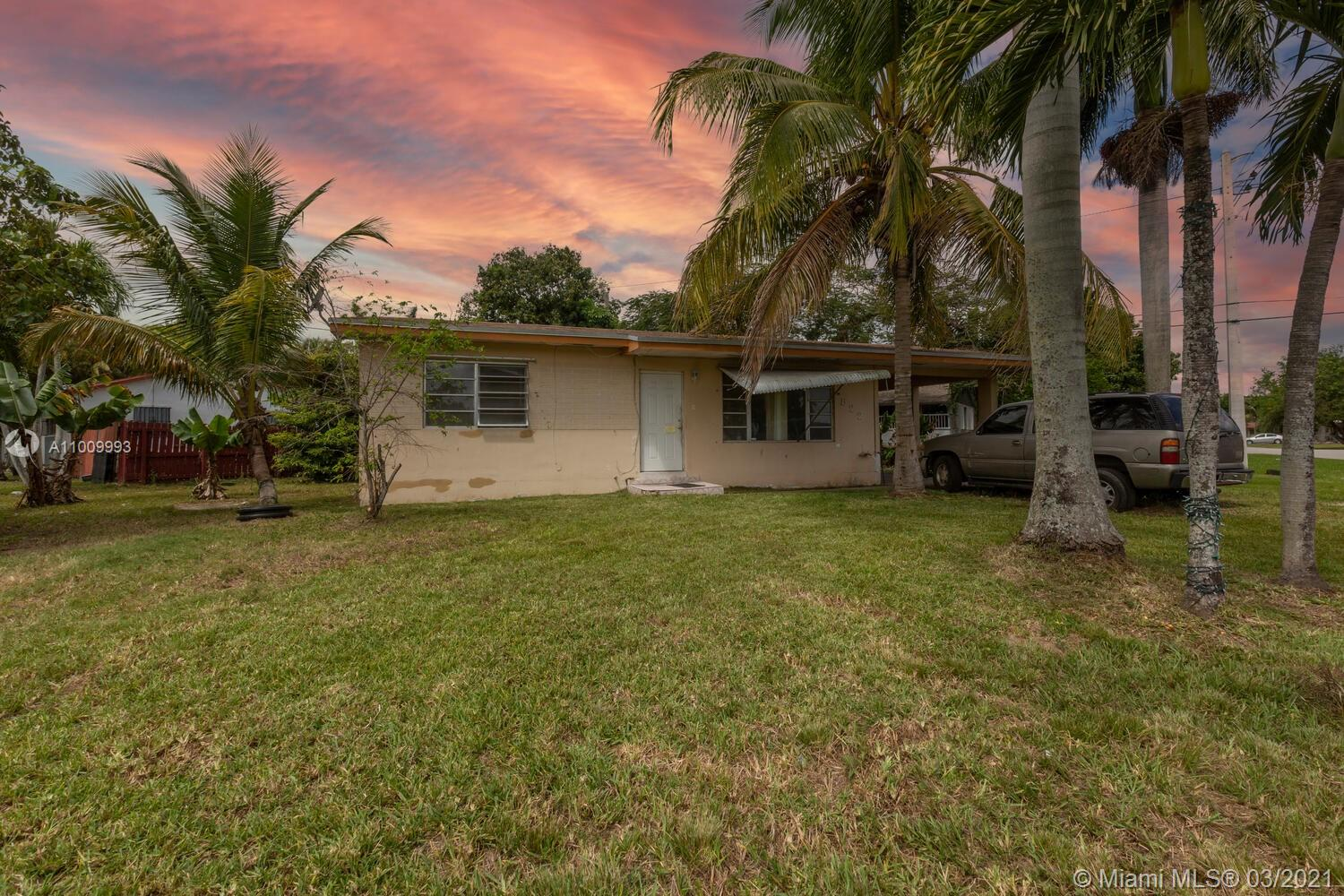 522 SW 7th Ave Property Photo - Florida City, FL real estate listing