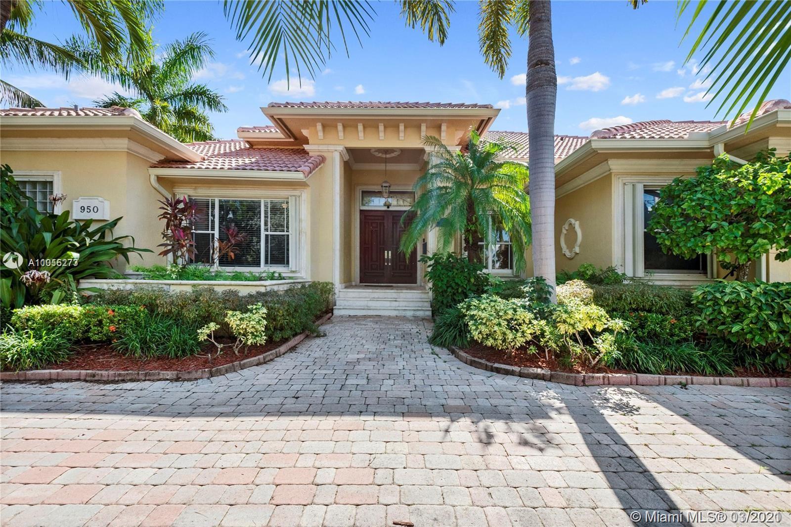 950 Washington St Property Photo