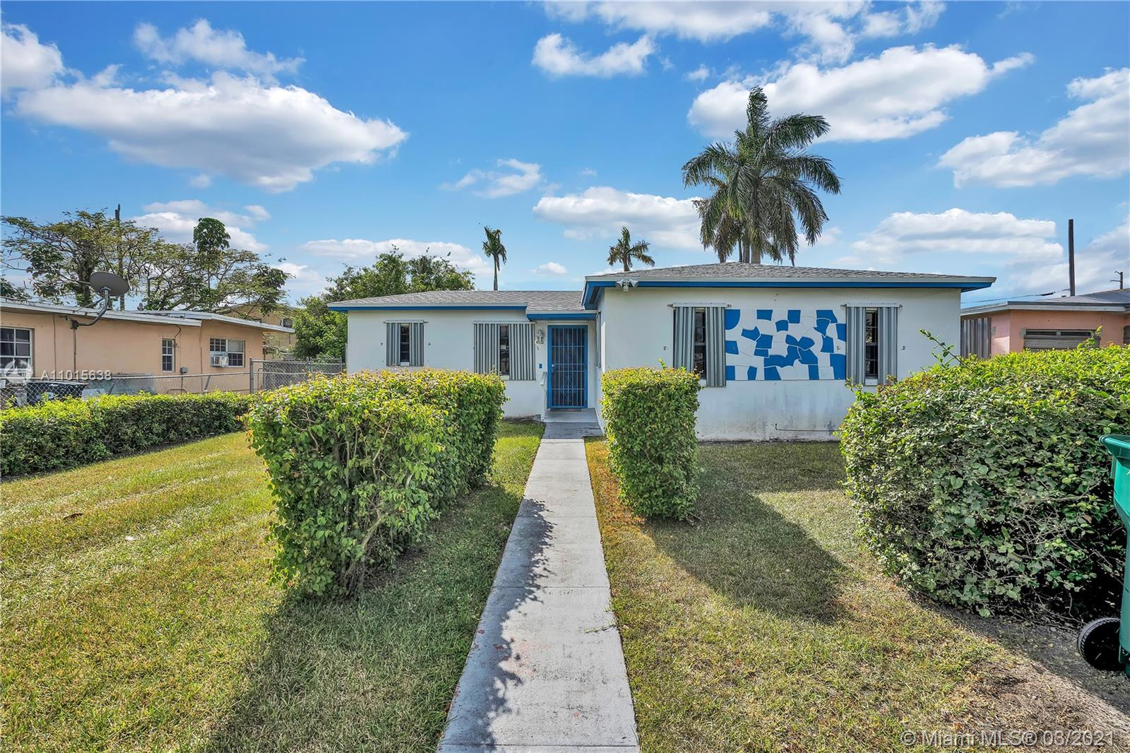 1470 NW 1st Ave Property Photo - Florida City, FL real estate listing