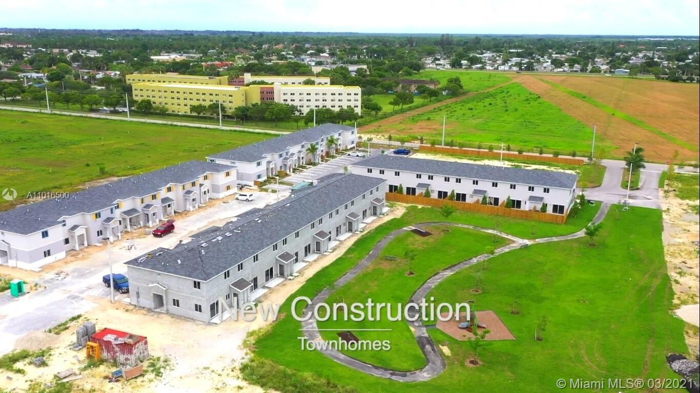 401 Nw 12 Place #401 Property Photo