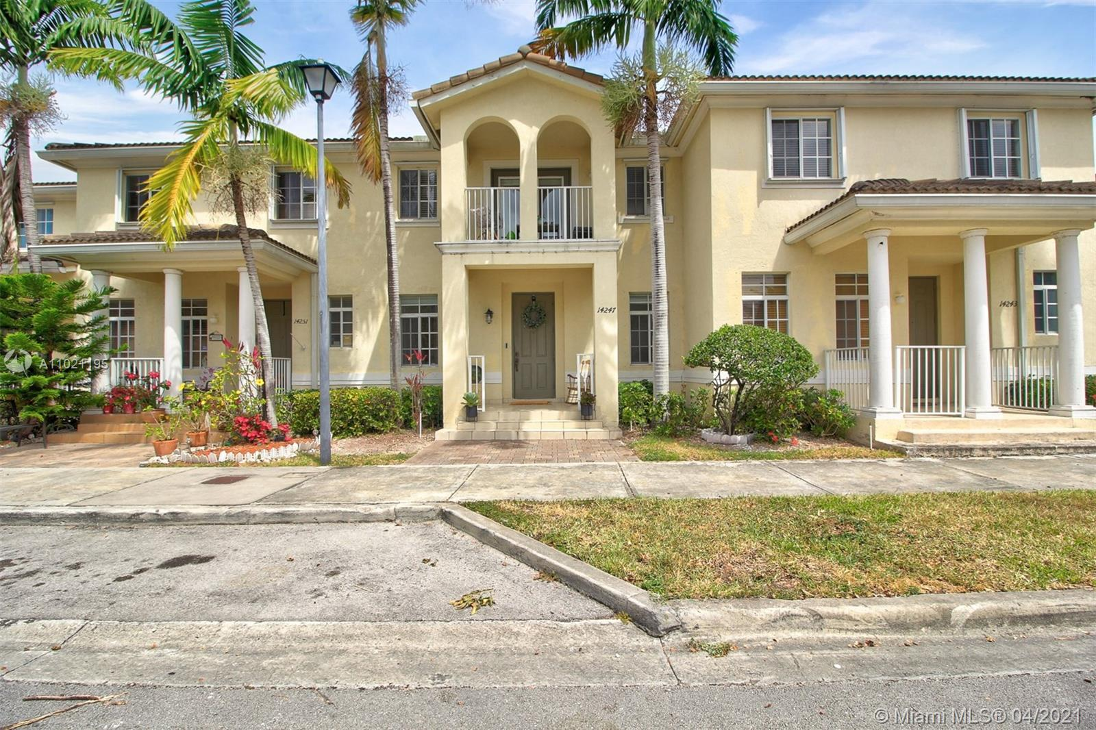 SW 272nd Ln Property Photo - Homestead, FL real estate listing