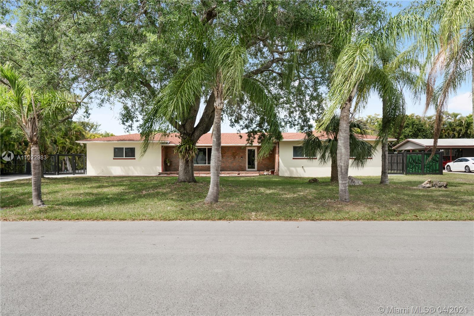 Ramblewood Middle Real Estate Listings Main Image