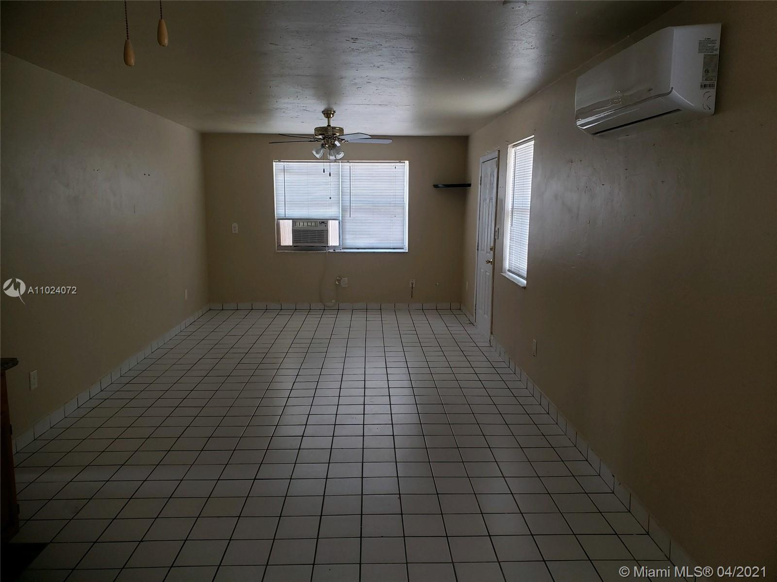 1296 Nw 12th St #1296 Property Photo
