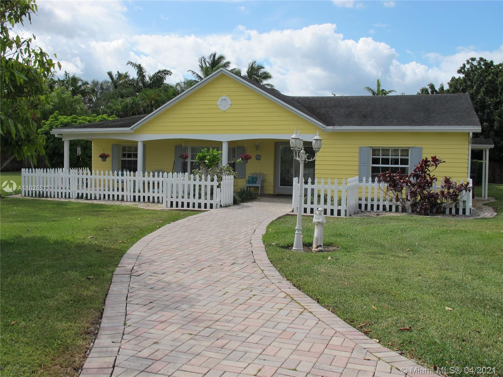 19280 SW 304th St Property Photo - Homestead, FL real estate listing
