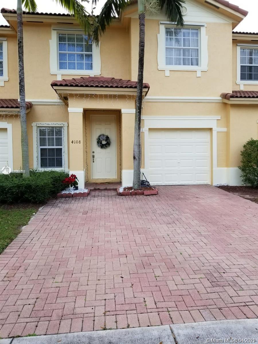 4108 Ne 25th St Property Photo