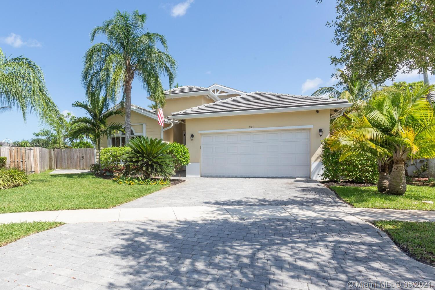 101 NE 35th Ave Property Photo - Homestead, FL real estate listing