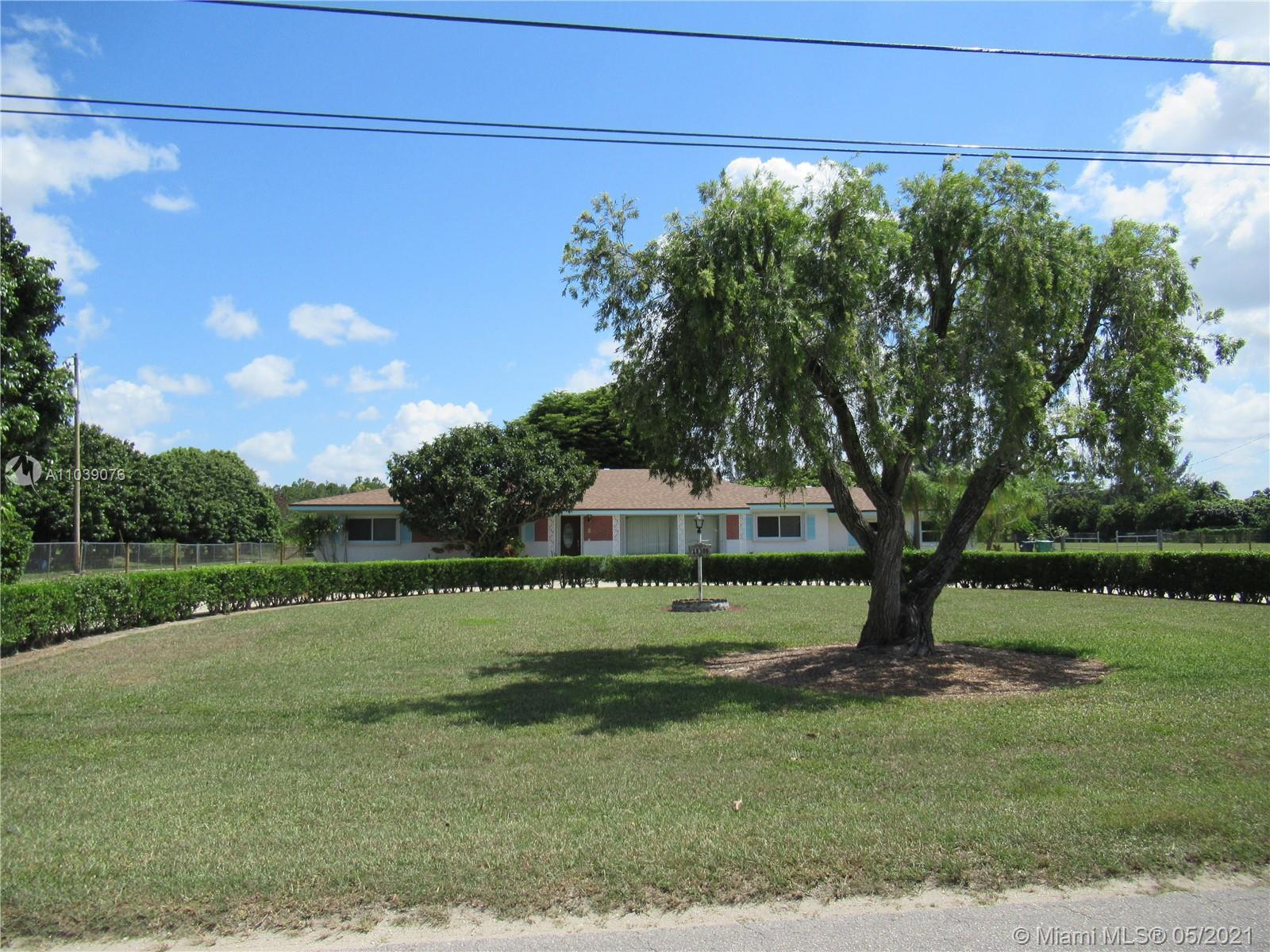18300 Sw 264 St Property Photo