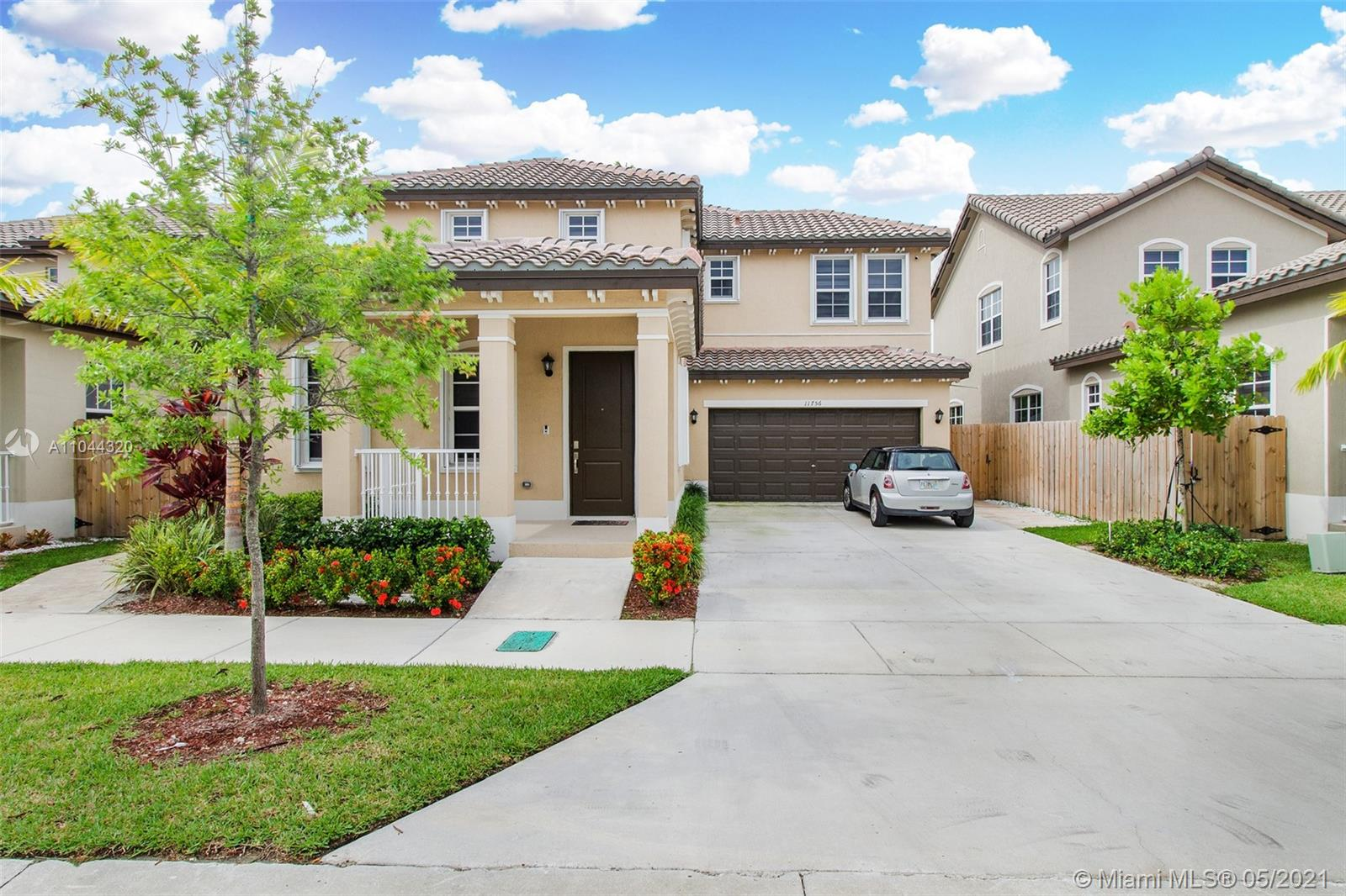 11756 Sw 244th Ln Property Photo 1