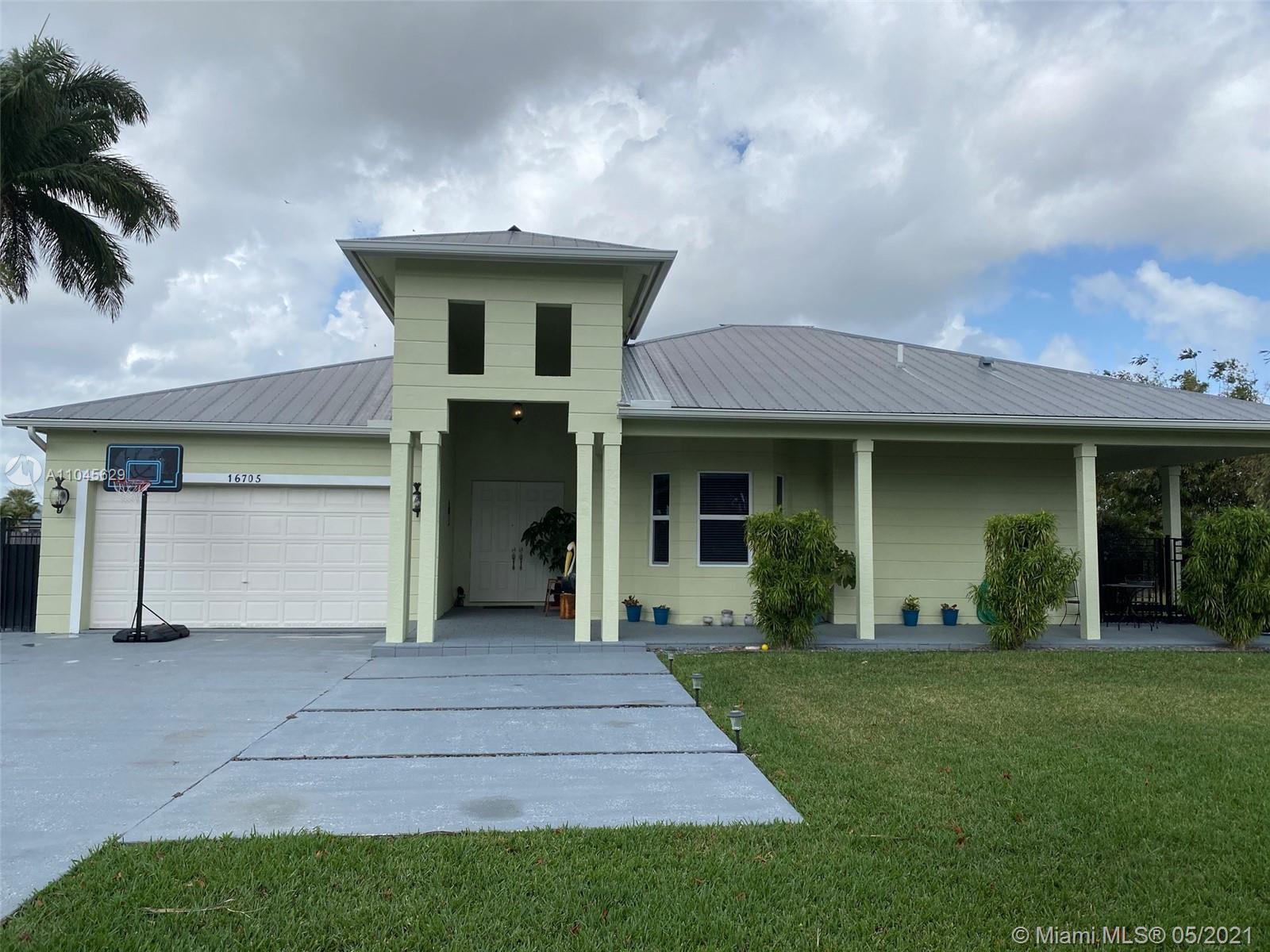 16705 Sw 296th St Property Photo 1