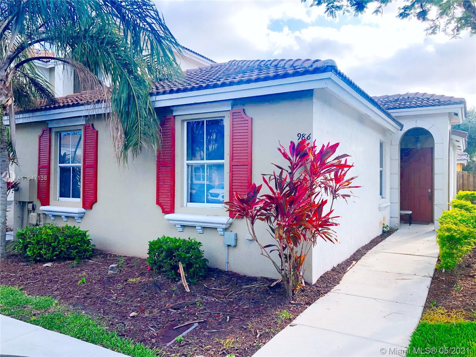 986 Ne 42nd Pl Property Photo