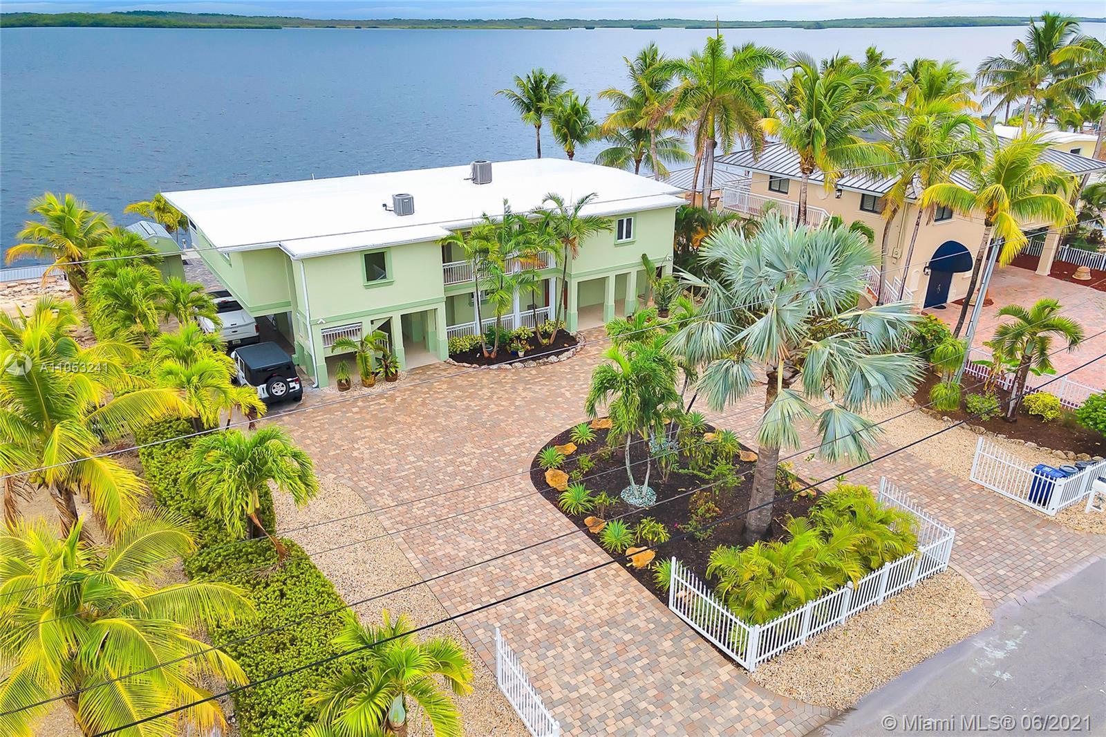 634 Island Dr Property Photo 1