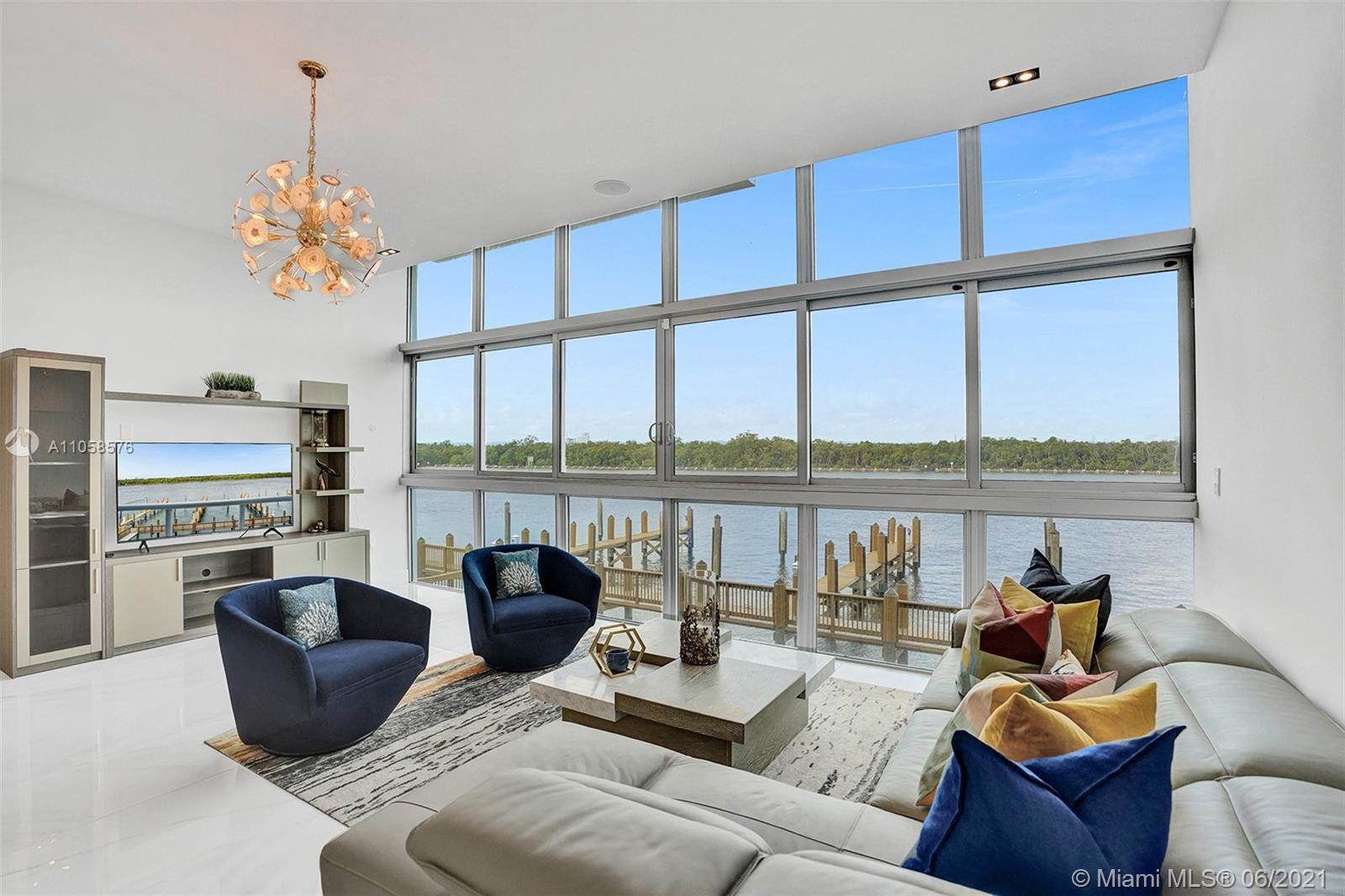 2820 N Ocean Dr Property Photo 1