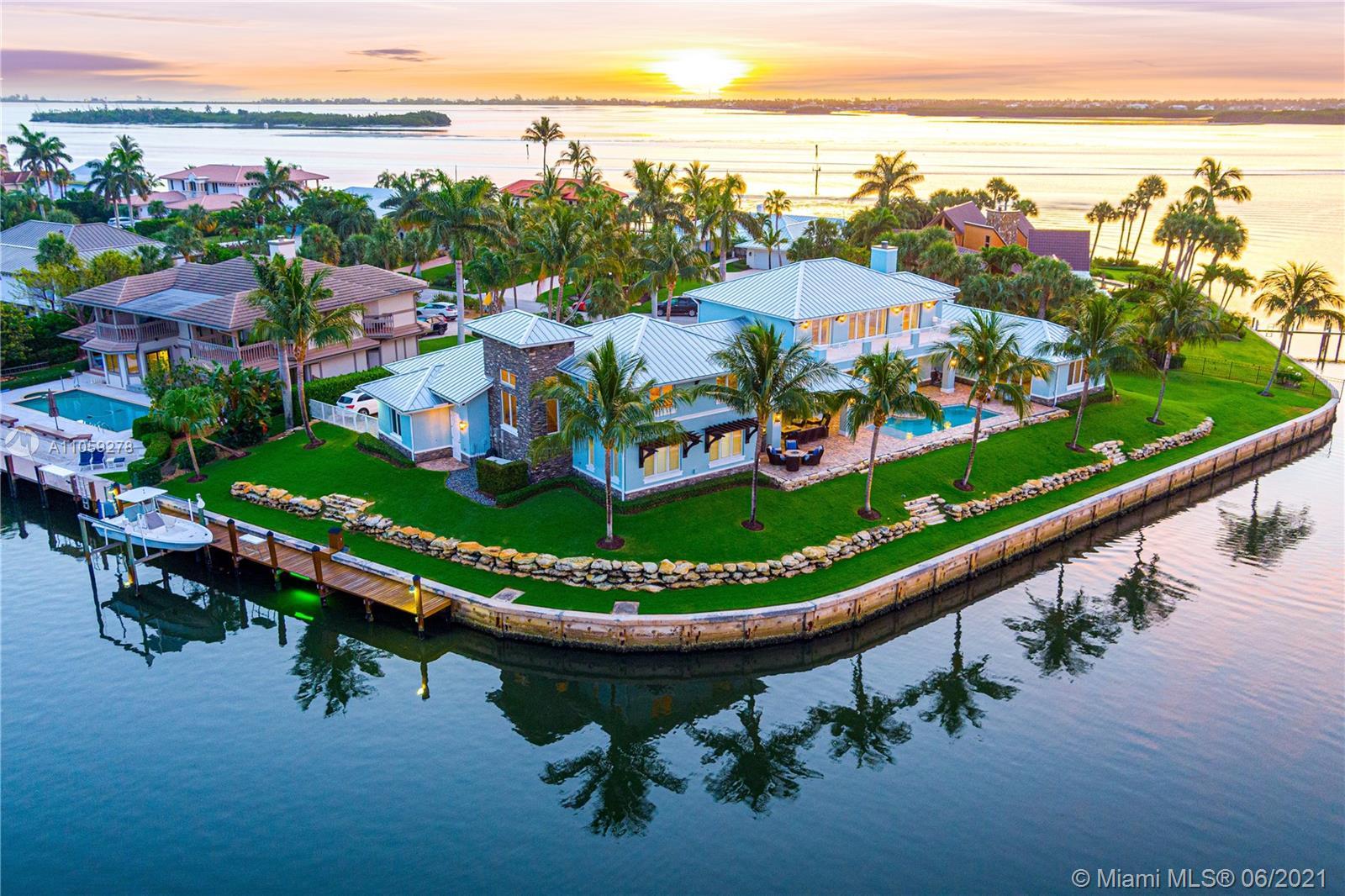 25 Island Rd Property Photo 1