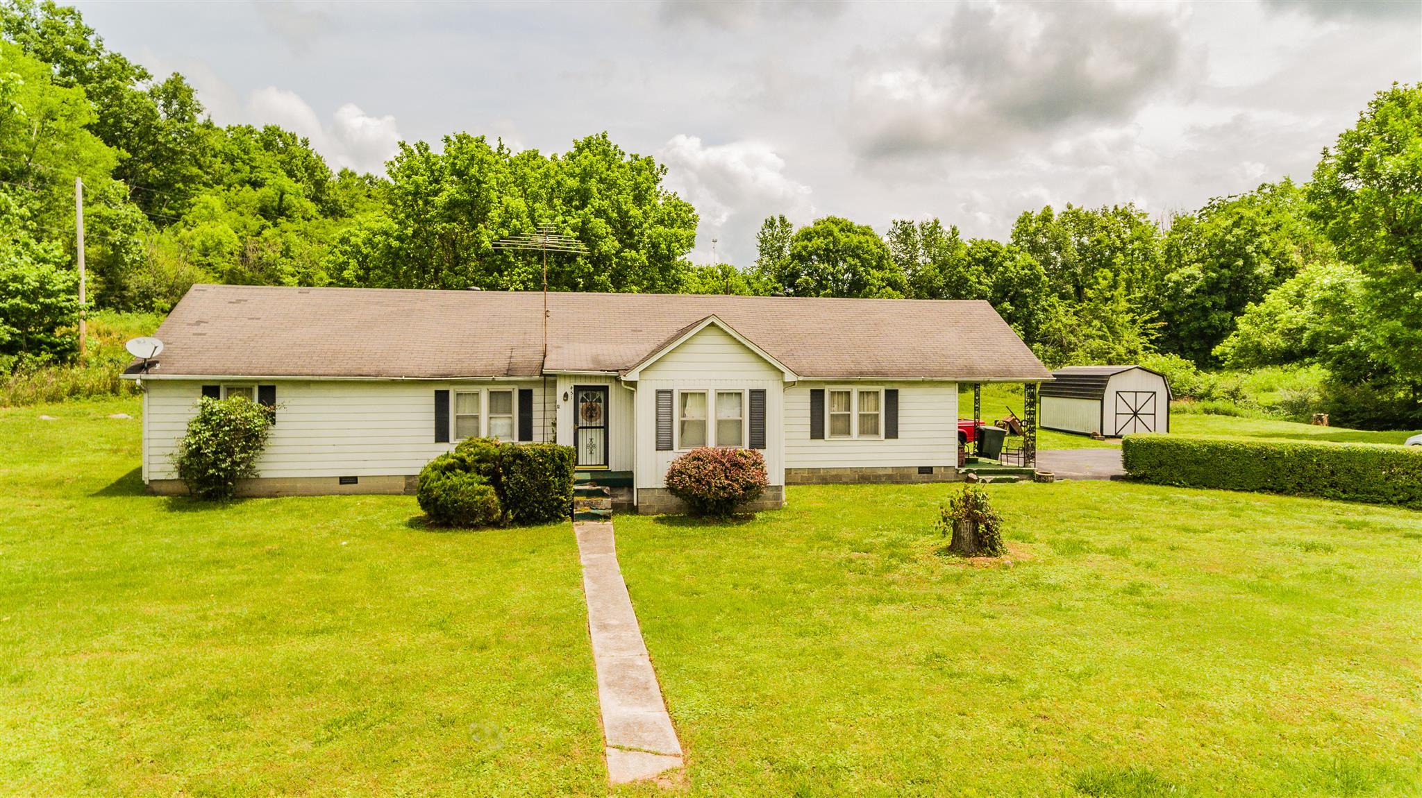 451 Gordonsville Hwy Property Photo - Gordonsville, TN real estate listing