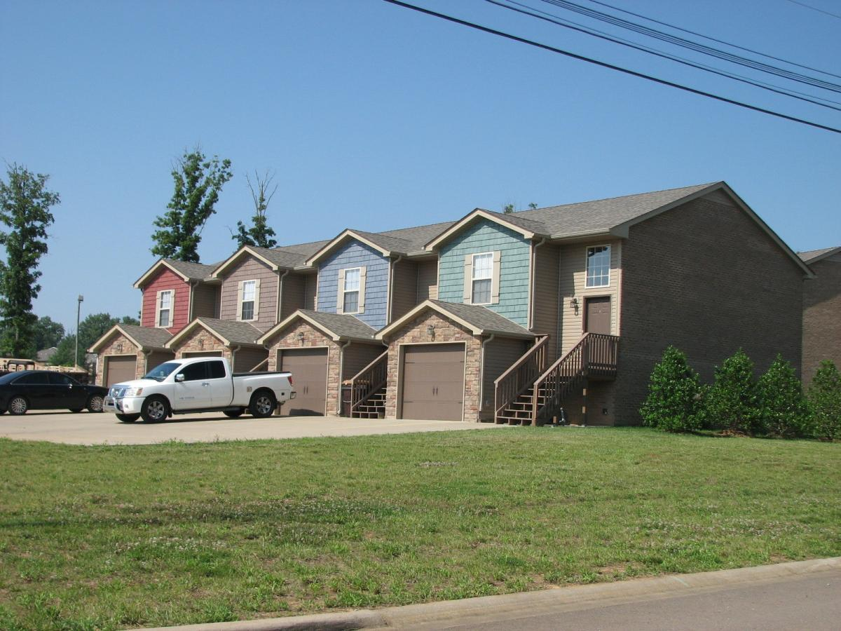 1727 Thistlewood #C Property Photo - Clarksville, TN real estate listing