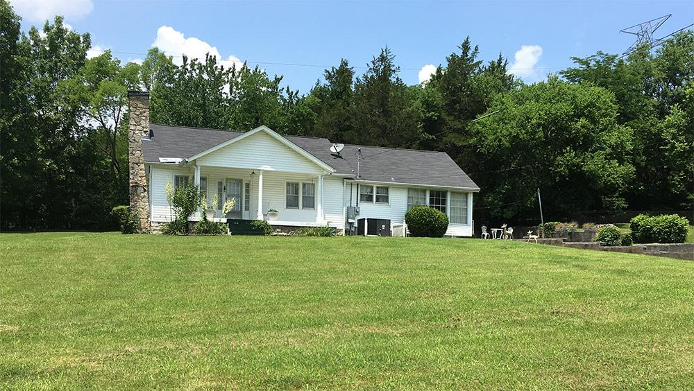 7460 Charlotte Pike Property Photo