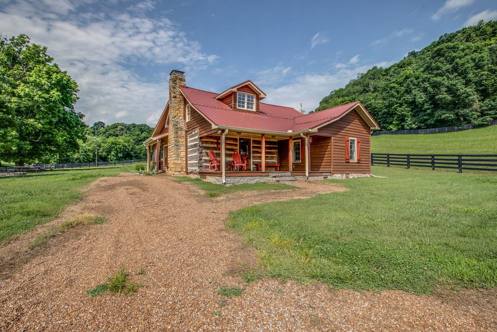 3811 Robinson Rd, Thompsons Station, TN 37179 - Thompsons Station, TN real estate listing