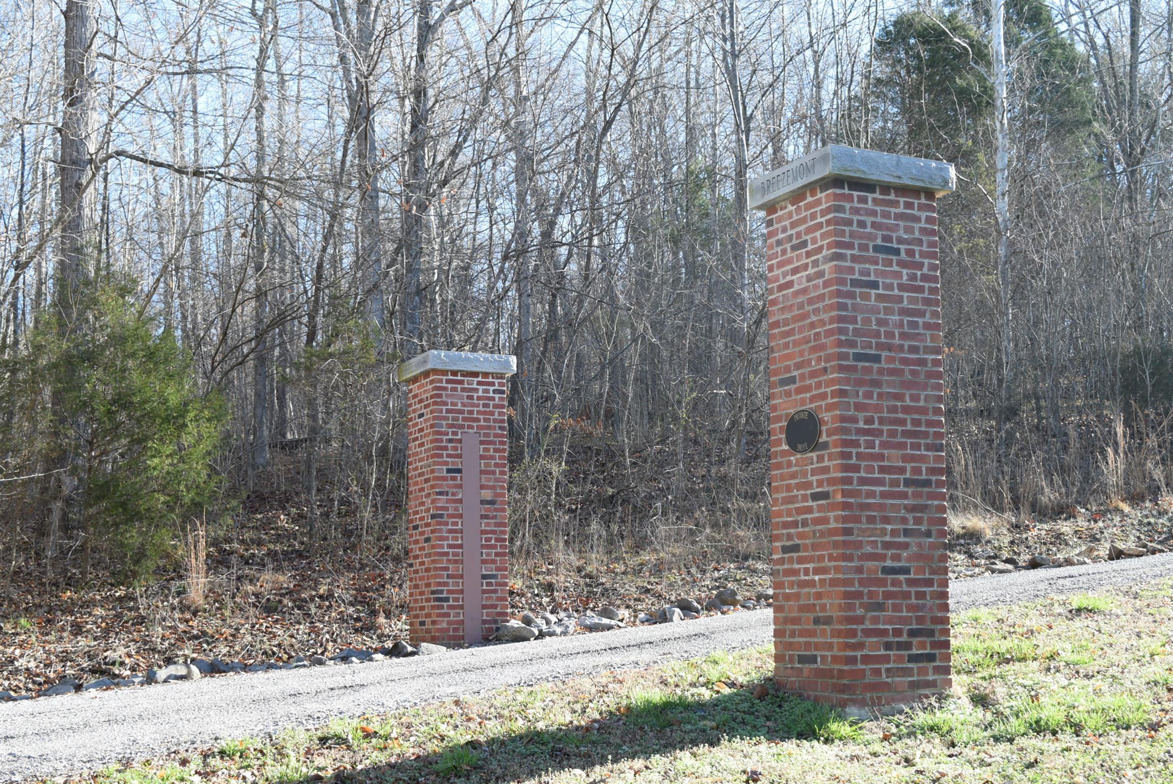 1820 Breezemont Dr, Clarksville, TN 37043 - Clarksville, TN real estate listing