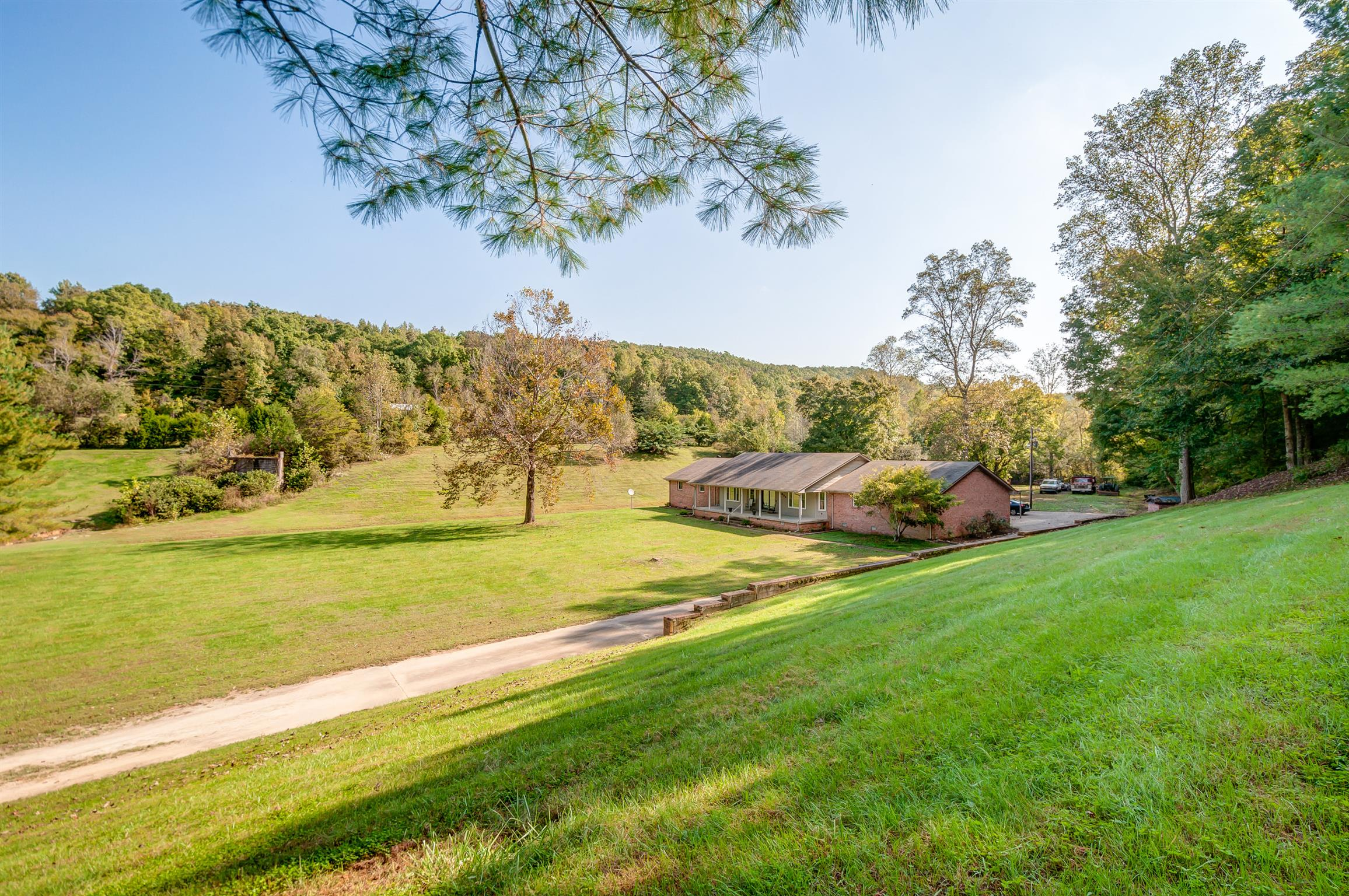 954 Prince Rd, Centerville, TN 37033 - Centerville, TN real estate listing